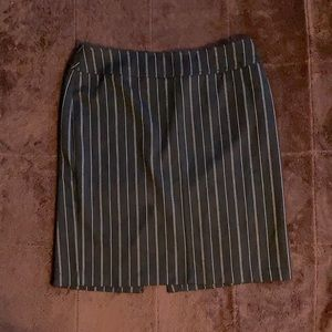 Black & White Vertical Striped Pencil Skirt